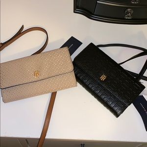 NWT Tommy Hilfiger phone holder and wallet in one!